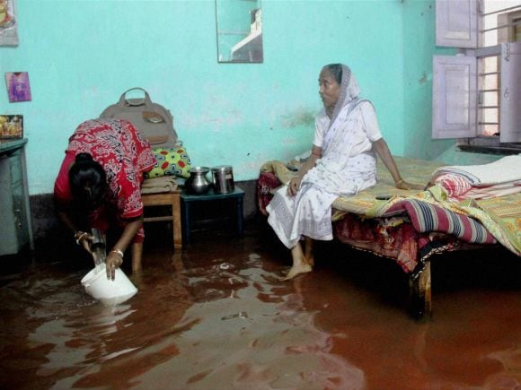 Heavy rains, Heavy rainfall, Floods, West Bengal, Kolkata, India, Gujarat, Rajasthan, Died