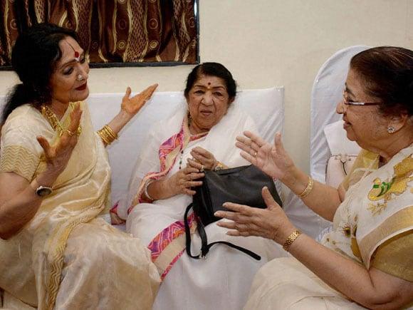 Usha Mangeshkar, Vyjayanthimala, Lata Mangeshkar, Deenanath Mangeshkar Award