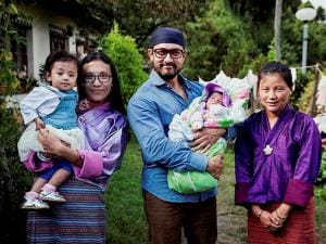 UNICEF Regional Goodwill Ambassador Aamir Khan with a lady and children