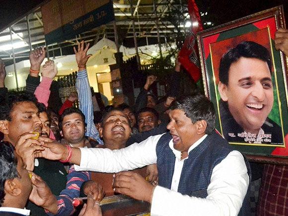 UP election, Cycle, Akhilesh Yadav, Samajwadi Party symbol, mulayam singh yadav
