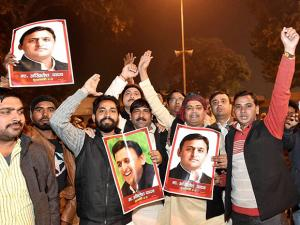 Akhilesh Supporters celebrate in Lucknow over party symbol