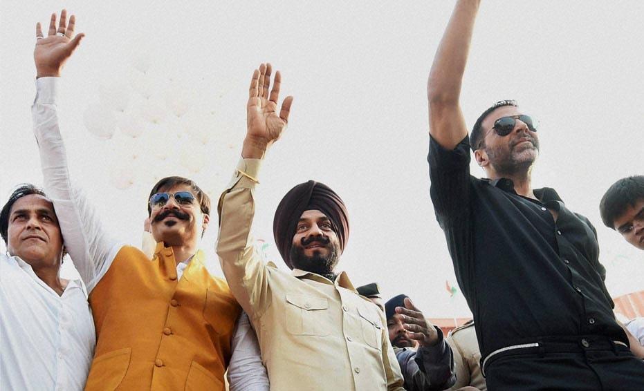 Bollywood Actors, Akshay kumar, Vivek oberoi, 26/11 Mumbai Attack, martyrs, All-India Anti-Terrorist Front Chairman, Maninderjeet Singh Bitta