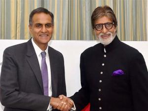 Bollywood actor Amitabh Bachchan and US Ambassador to India Richard Verma during a press briefing  on the US government's commitment to end TB
