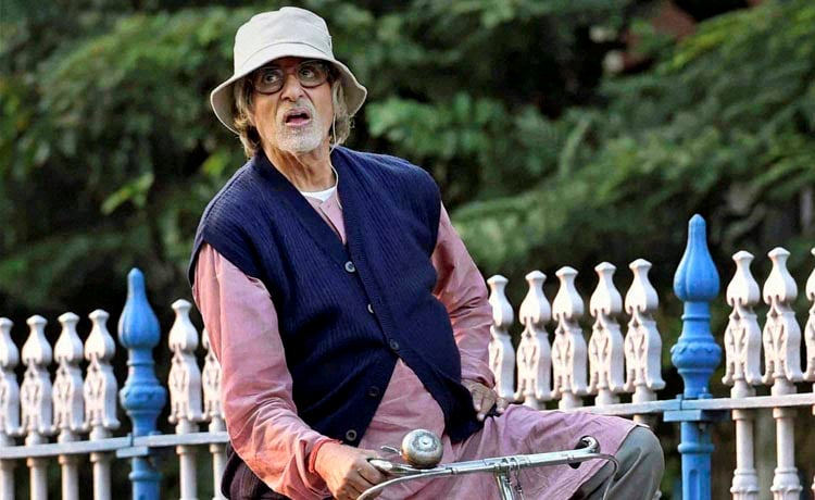 Bollywood, megastar, Amitabh Bachchan, rides, cycle, shooting, new film, 'Piku', Kolkata