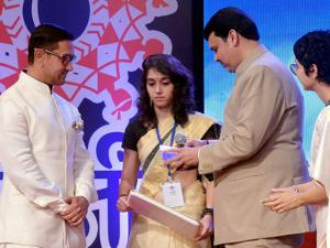 Aamir Khan with daughter Ira Khan, Maharashtra CM Devendra Fadnavis and Kiran Rao