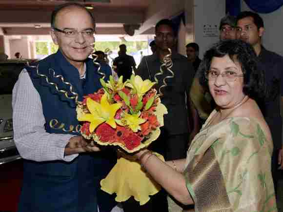 Finance Minister of India, Arun Jaitley, SBI Chairman, Arundhati Bhattacharya, Public Sector Bank, Financial Institutions, CMD, Financial Services Secretary, Hasmukh Adhia, Snehlata Shrivastava, Additional Secretary, PSB, New Delhi