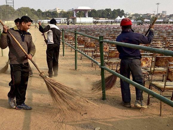 Arvind Kejriwal,  shapath vidhi, Ramlila Maidan, AAP, preparation, ceremony, Delhi Sweepers,  clean