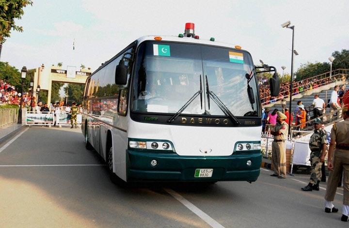 Delhi-Lahore, bus, crossing, border, gates, international border, Attari