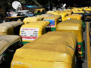 Autos and taxis parked at Jantar Mantar