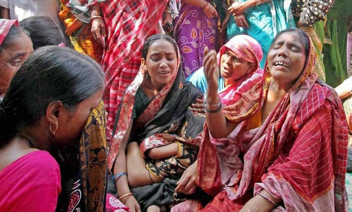Family members, wailing, Mozzamel Sheikh's, death, clash,  TMC, BJP, workers, Birbhum
