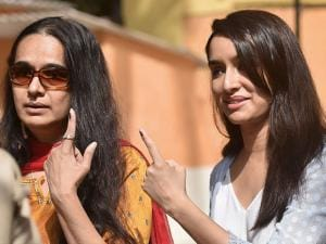 Shraddha Kapoor and her mother Shivangi Kapoor