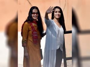 Shraddha Kapoor and her mother Shivangi Kapoor going to cast their vote