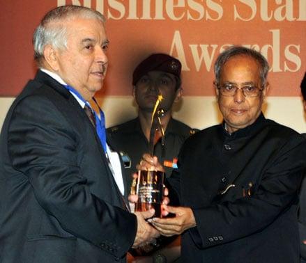 M K Hamied, Cipla, President Pranab Mukherjee, BS Awards