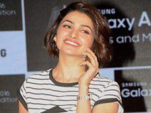 Prachi Desai at the launch of Samsung Galaxy A7 (2016) and Galaxy A5 (2016) in Ahmedabad