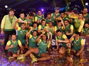 Players of Patna Pirates celebrates_after winning the Pro Kabaddi finals beating U Mumba