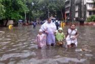 Rains paralyse Mumbai...