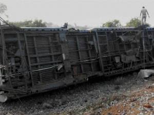 Chennai-Mangalore Express derails in Tamil Nadu