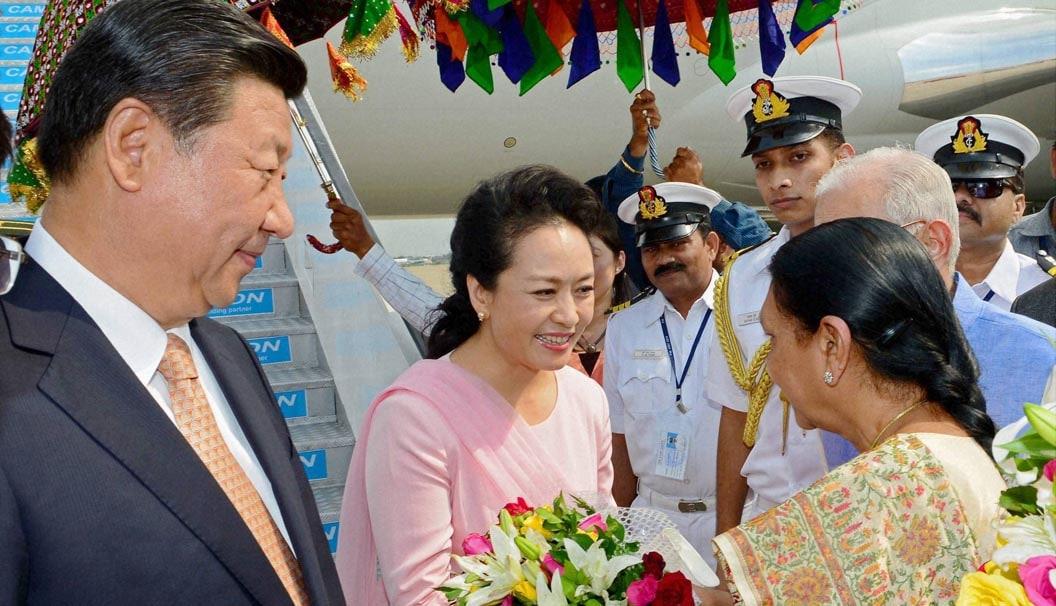 Chinese, President, XI Jinping, wife, Peng Liyuan, greeted, Gujarat, CM, Anandiben, arrival, Sardar Patel International Airport, Ahmedabad