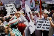 Cong protests against Centre, Delhi govt over civic bodies'