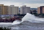 Cyclone Hudhud hits the shore