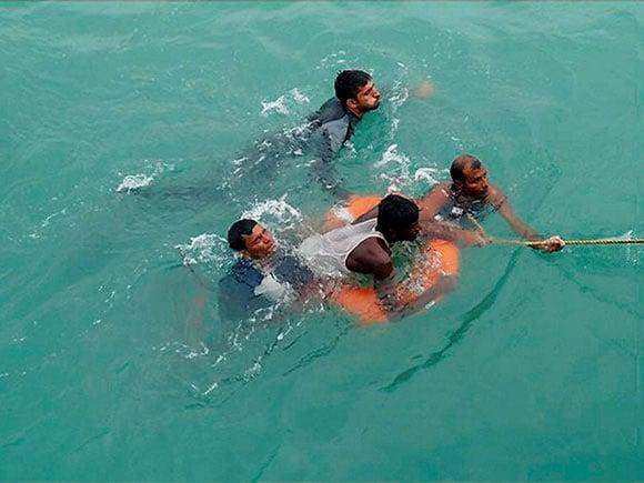 Cyclone Mora, Bangladeshi, Indian Navy, Bay of Bengal, Chittagong
