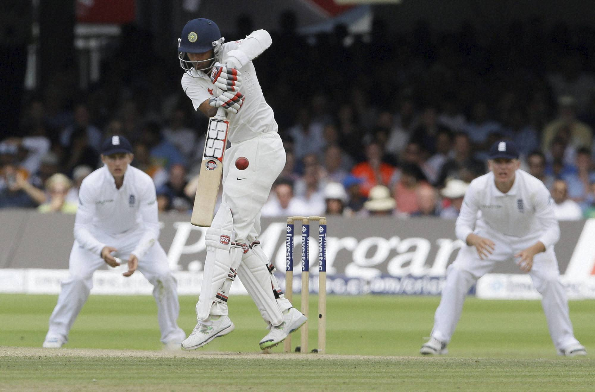 Bhuvneshwar Kumar, Stuart Broad, India's Ravindra, England's, James Anderson, celebrates, wicket, India's  Murali Vijay, fourth day, second test match, England, India, Lord's cricket , London