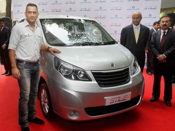 M S Dhoni ,Ashok Leyland ,Stile car, Ashok Leyland Vice Chairman V Sumantran