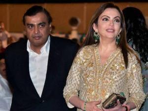 Mukesh Ambani with wife Neeta Ambani