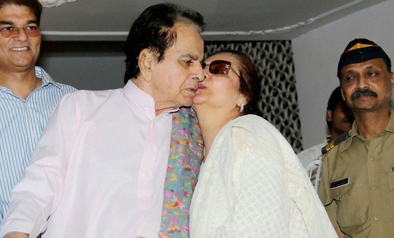 Bollywood Actor, Dilip Kumar, dilip kumar wife, Saira Banu, Lilavati Hospital, Happy birthday dilip kumar, 92nd birthday