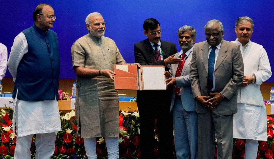 Prime Minister, Narendra Modi, presenting, DRDO, Award, performance, excellence 2013, PS Subramanyam, K Tamilmani, DRDO, Awards 2013 function