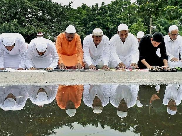 Muslims, Eid, Islam, Eid al-Adha, Muslims celebrate Eid, Muslim festival, festival of sacrifice, feast of sacrifie, bakreid in India, Muslims in Delhi