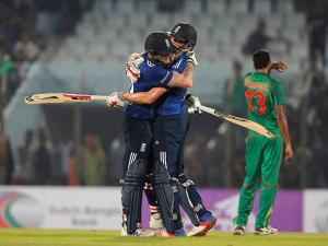 Ben Stokes and Chris Woakes celebrate their victory against Bangladesh