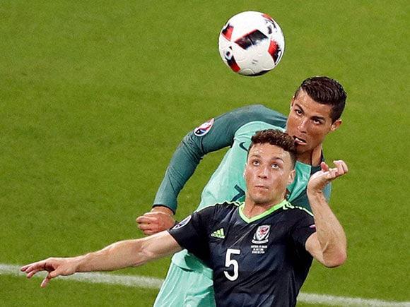 Cristiano Ronaldo, James Chester, Euro 2016, Portugal vs Wales
