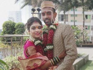 cricketer Dhawal Kulkarni and his wife Shraddha Kharpude during their wedding in Mumbai