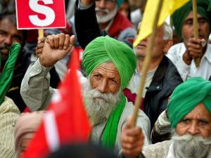 Farmers demand 'freedom from debt' in Delhi