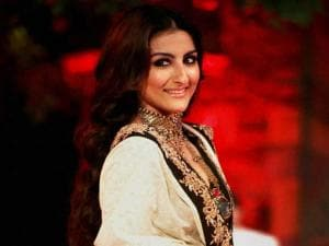 Soha Ali Khan walks the ramp at a fashion show during Make in India event in Mumbai