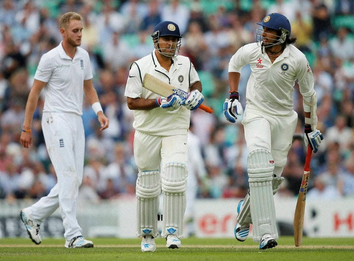 India's, MS Dhoni, teammate, Ishant Sharma, run, pitch