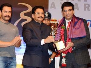 Vishwanathan Anand conferred with Hridaynath Award_01.