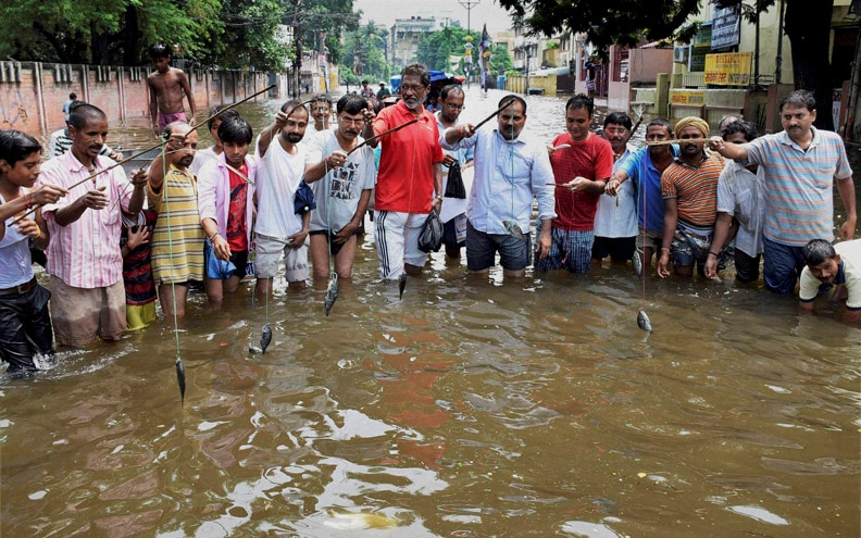 Locals, simulate, fishing, protest, against, Bihar, Government, over, waterlogging