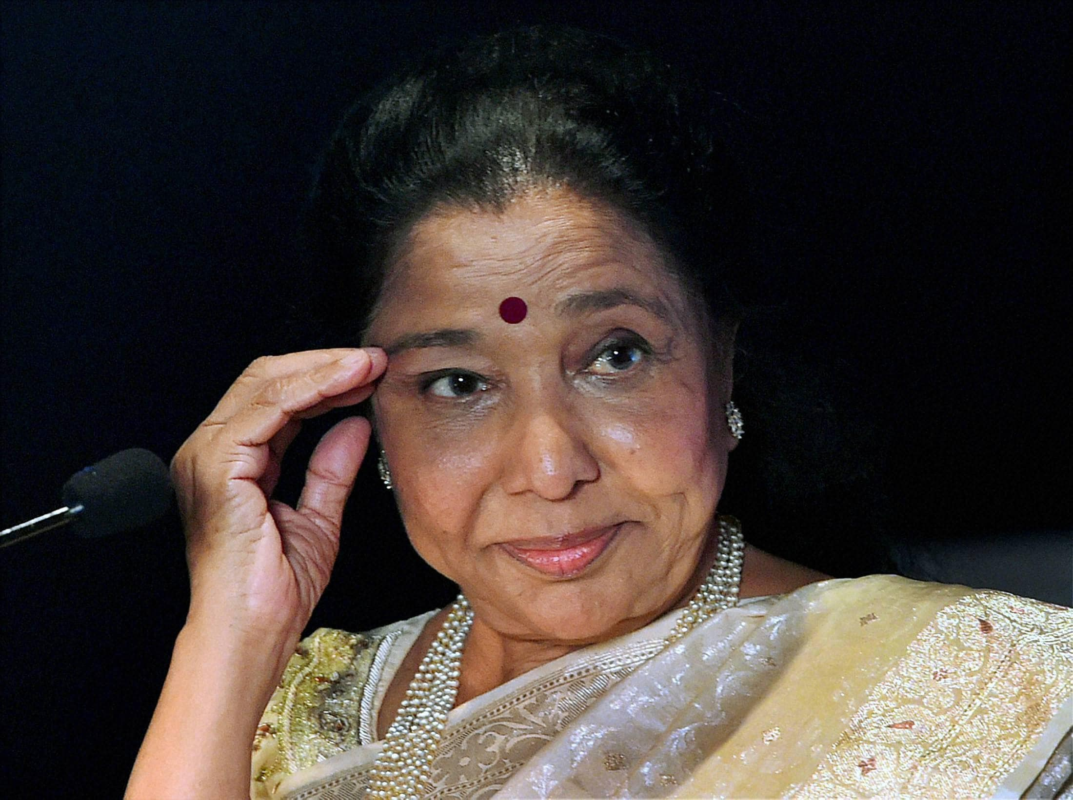 Legendary, singer Asha Bhosle, honoured, FYLOs, function, New Delhi