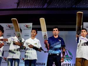 Gautam Gambhir with children taking pledge during the announcment of Indian junior player league (IJPL)T-20 tournament