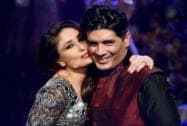 Bebo hugs Manish Malhotra