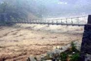 Heavy flow of water in Mandakini river at Rudrapryag