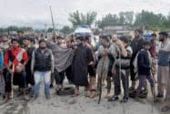 People block the Anantnag-Jammu national highway
