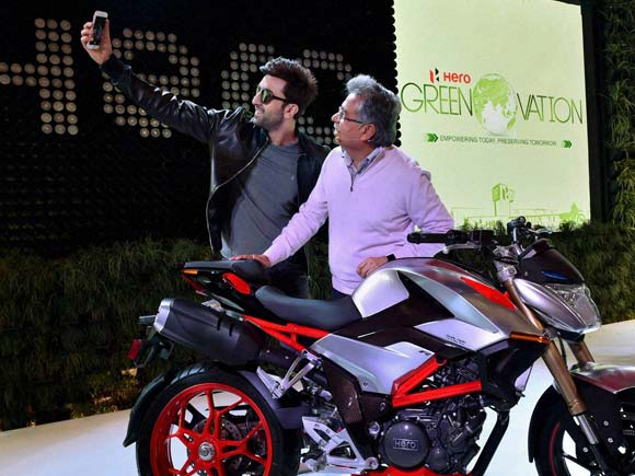 Hero motorcorp, Hero motorcycle, Delhi auto expo,Ranbir kapoor,  Hero XF3R,Pawan Munjal