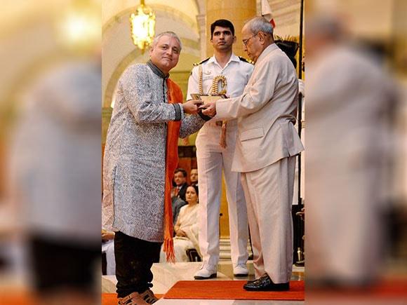 Akademi Awards, Hridaynath Mangeshkar, Sangeet Natak, Mangeshkar, Pranab Mukherjee
