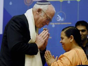 Union Minister of Water Resources, River Development and Ganga Rejuvenation, Uma Bharti with Israeli Minister of Agriculture and Rural Development, Uri Ariel during inauguration of 4th India Water week