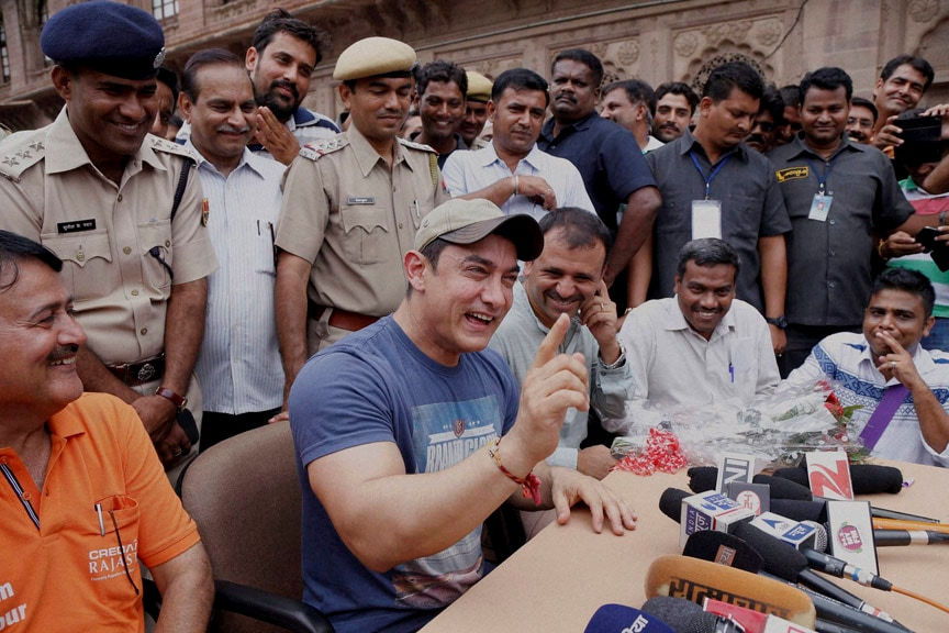 Bollywood Actor, Aamir Khan, addressing, media, Collectors Office, launching, Waste Collection Project, organized, jointly, administration, Jodhpur Municipal Corporation, Jodhpur