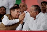 Samajvadi Party supremo Mulayam Singh with JD(U) President Sharad Yadav