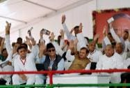Samajvadi Party supremo Mulayam Singh Yadav with Uttar Pradesh Chief Minister Akhilesh Yadav, JD(U) President Sharad Yadav and Azam Khan